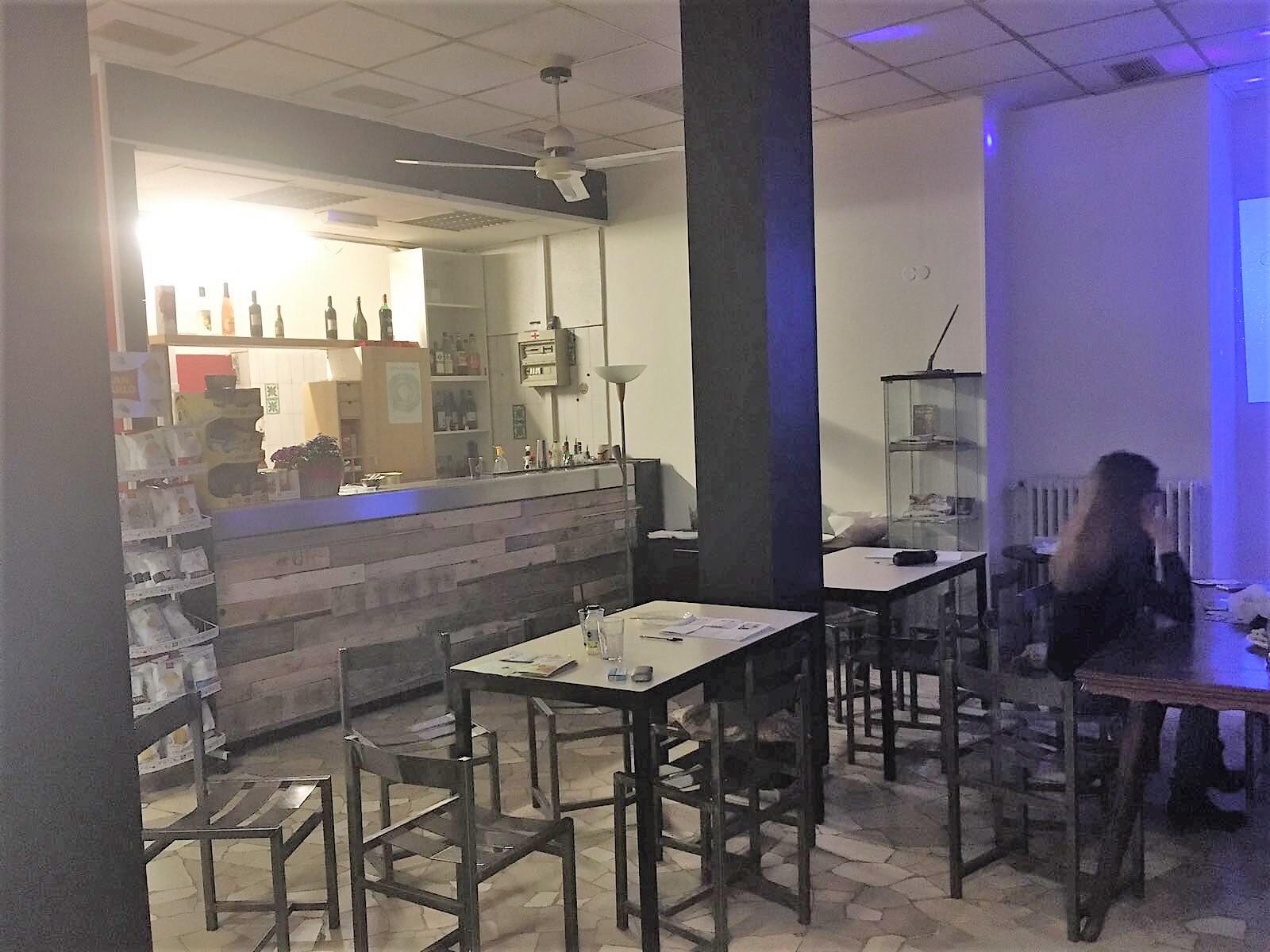 Saletta privata per festa 18 anni zona mecenate su festa - Tavoli addobbati per diciottesimi ...